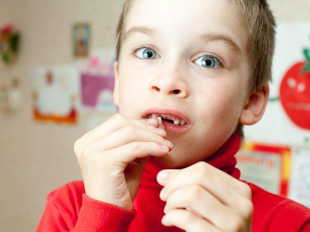 ألم الأسنان الفضفاضة عند الأطفال