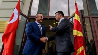 Μπορούμε να τσακωθούμε για τα Σκόπια κι αργότερα: Η ελληνική κόκκινη γραμμή…