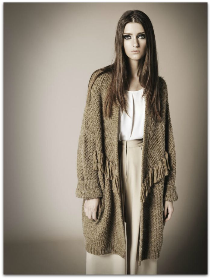 http://www.monicacordera.es/img/cms/lookbook/monica-cordera-look-book-2015-Eyra-Look.jpg