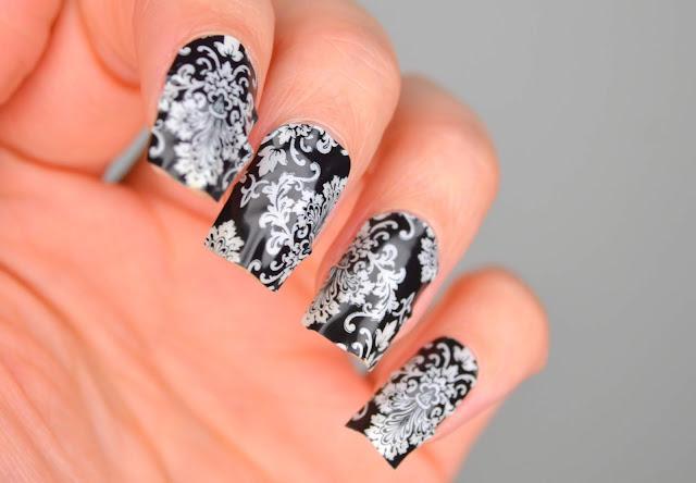 NAILS | Jamberry Nail Wraps in Black and White #CBBxManiMonday