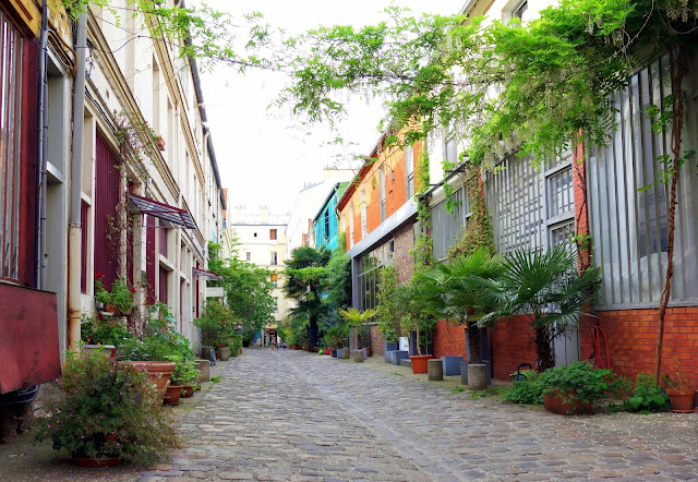 Paris cit du figuier des ateliers de m tallurgie aux - Cours de tapisserie d ameublement paris ...