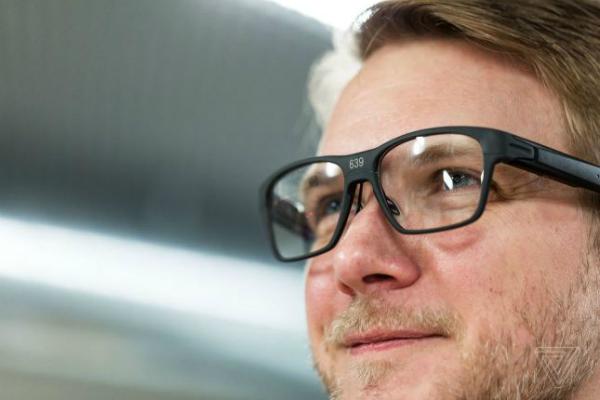 أول ظهور لنظارات إنتل الذكية