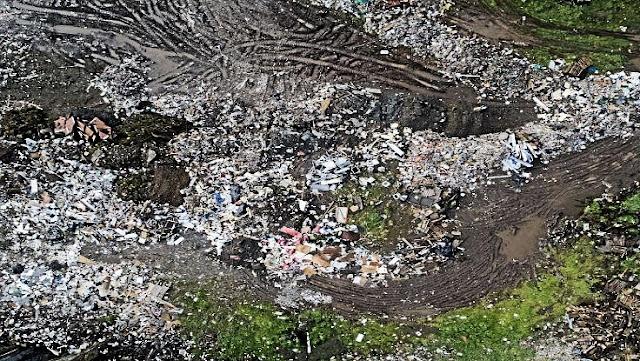 Vertedero no autorizado contamina las aguas del río Damas