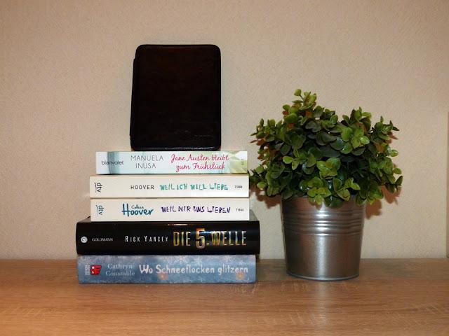 Lesemonat Januar - Bücherstapel