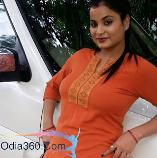 Bidusmita Dash Mantry sexy in orange top