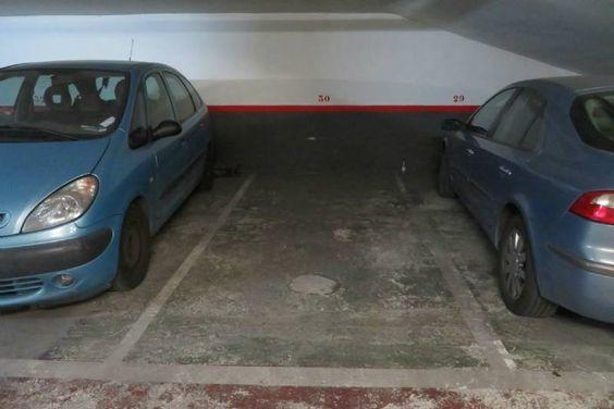 Aparcamiento coche en alquiler en barcelona sants montju c for Alquiler de aparcamiento