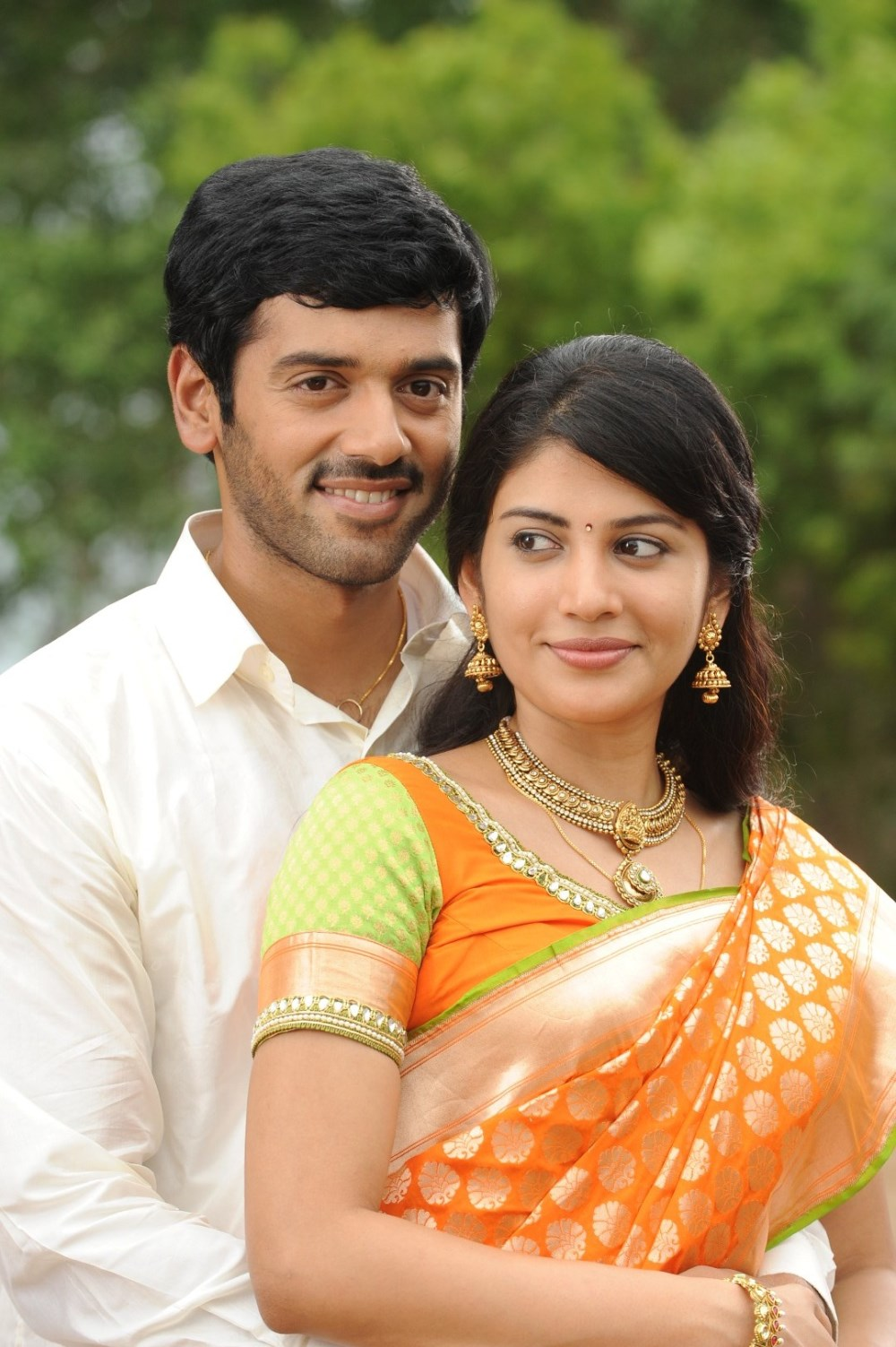 Shivada Nair Latest Hot Hd Wallpapers From Zero Tamil Movie