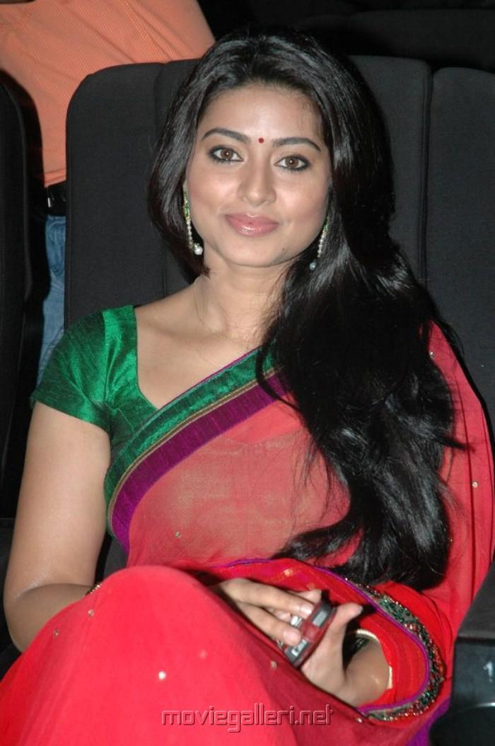 Cute Sneha Wallpapers Latest Tamil Movie Stills New Telugu Movie Photos Sneha