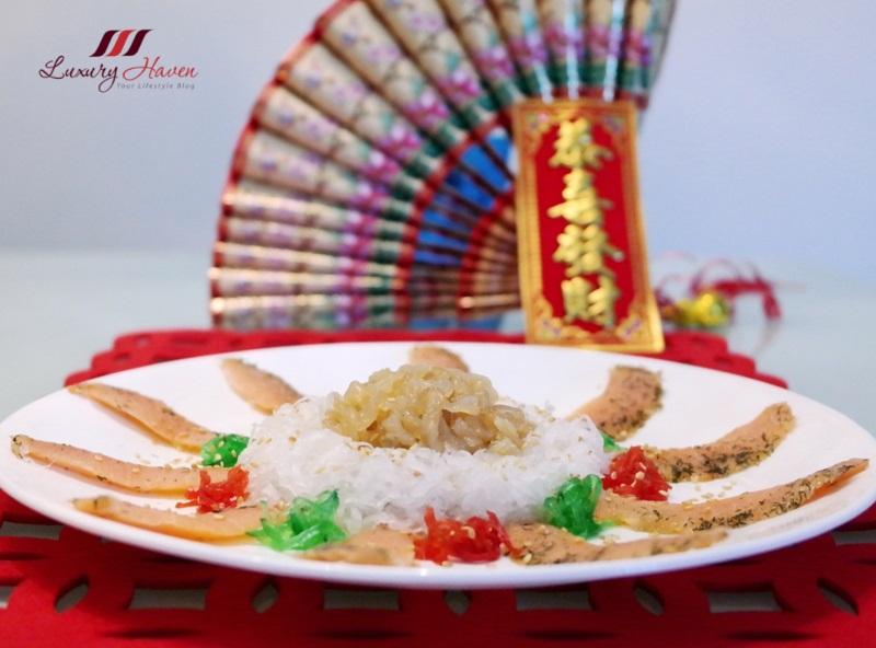 chinese spring festival lohei smoked salmon with jellyfish