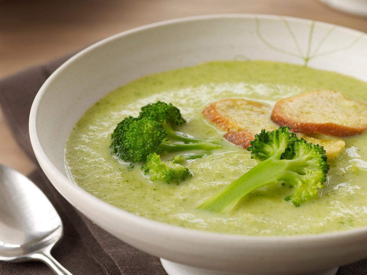 Supa crema de broccoli pentru copii