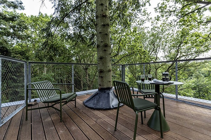 10-Terrace-Architecture-Treetop-Hotel-Tiny-House-www-designstack-co