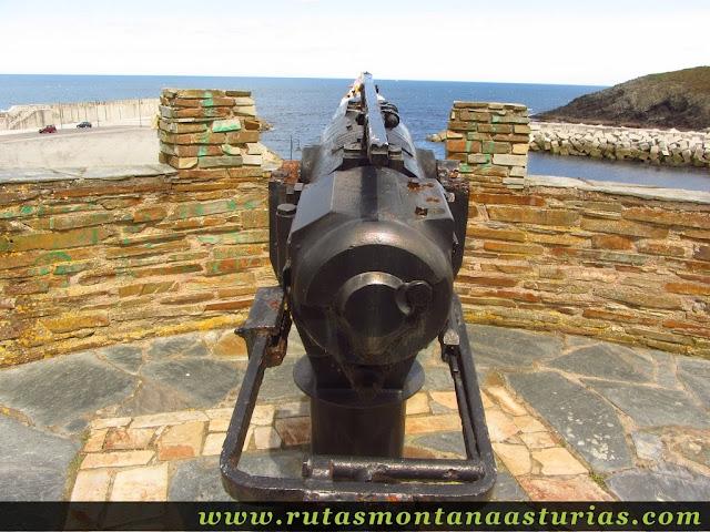 Cañón de ballenas en el mirador de la Riva de Puerto de Vega
