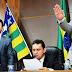 O juiz Thiago Bentes assinou a sentença cassando o prefeito Evandro Magal e saiu de férias.