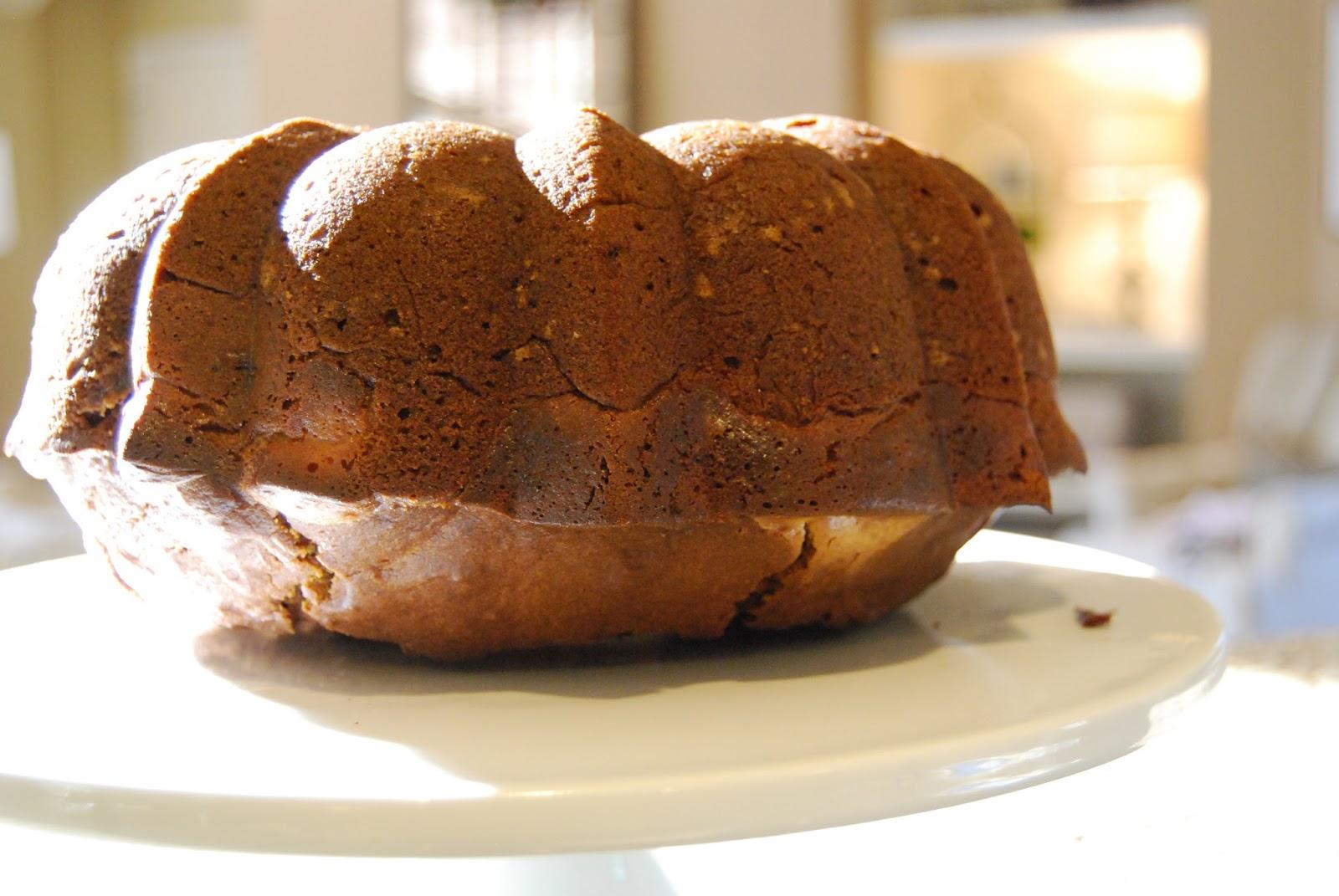 Momfessionals: Pumpkin Cream Cheese Bundt Cake