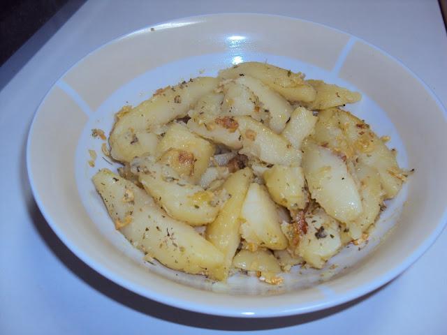 Batatas com Alho Frito