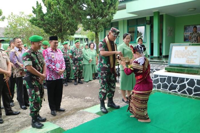 Danrem 043/Gatam Kunjungi Tanggamus.