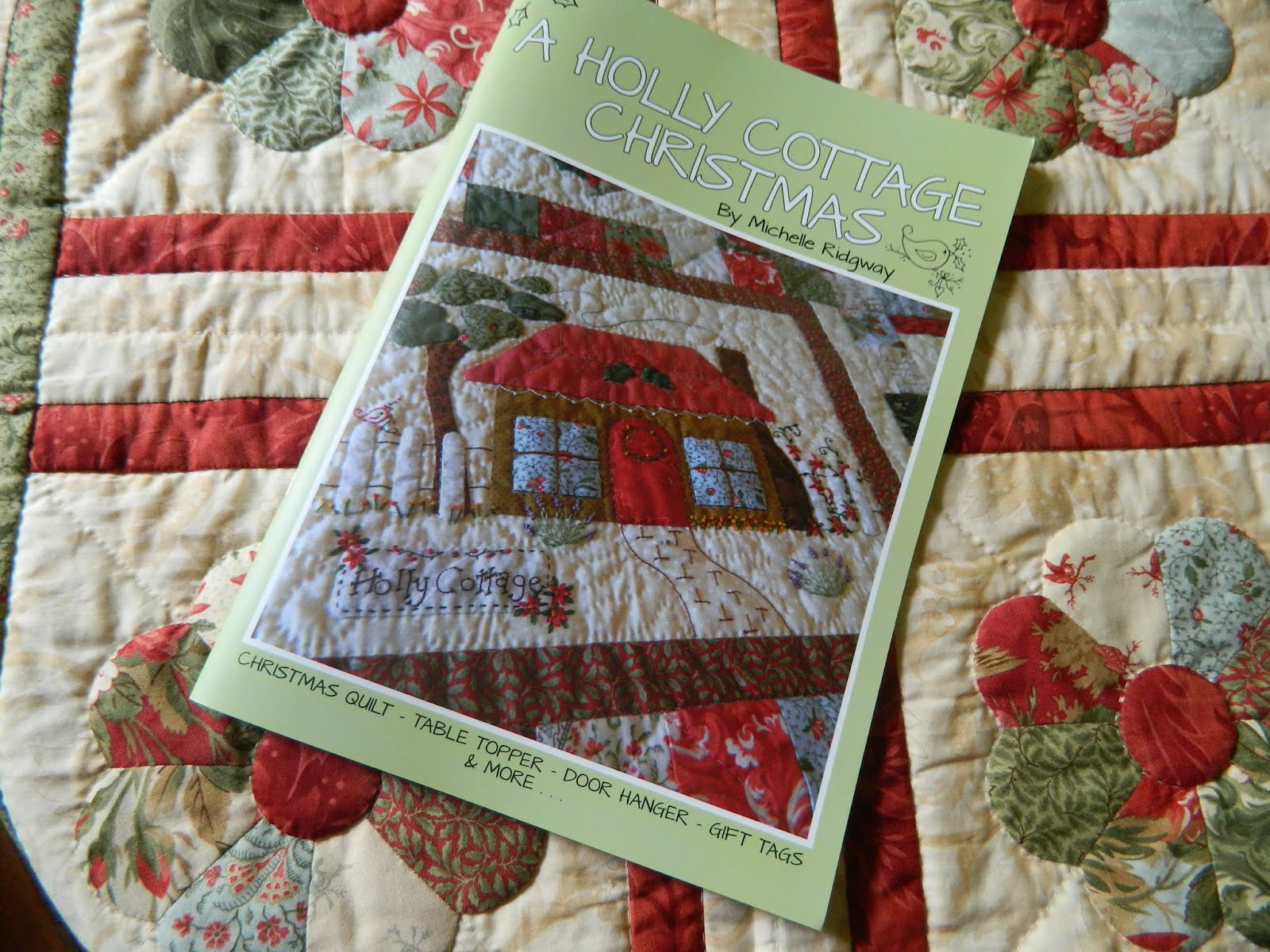 **NEW** A HOLLY COTTAGE CHRISTMAS BOOK