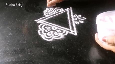 muggu-with-lotus-patterns-1a.png