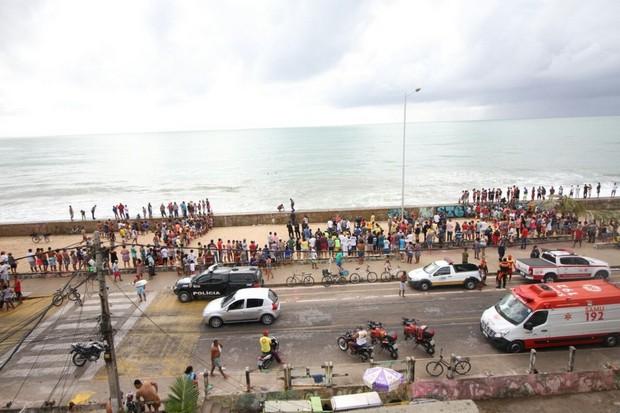 Globocop Cai No Mar Em Recife Logo Após Fazer Reportagem