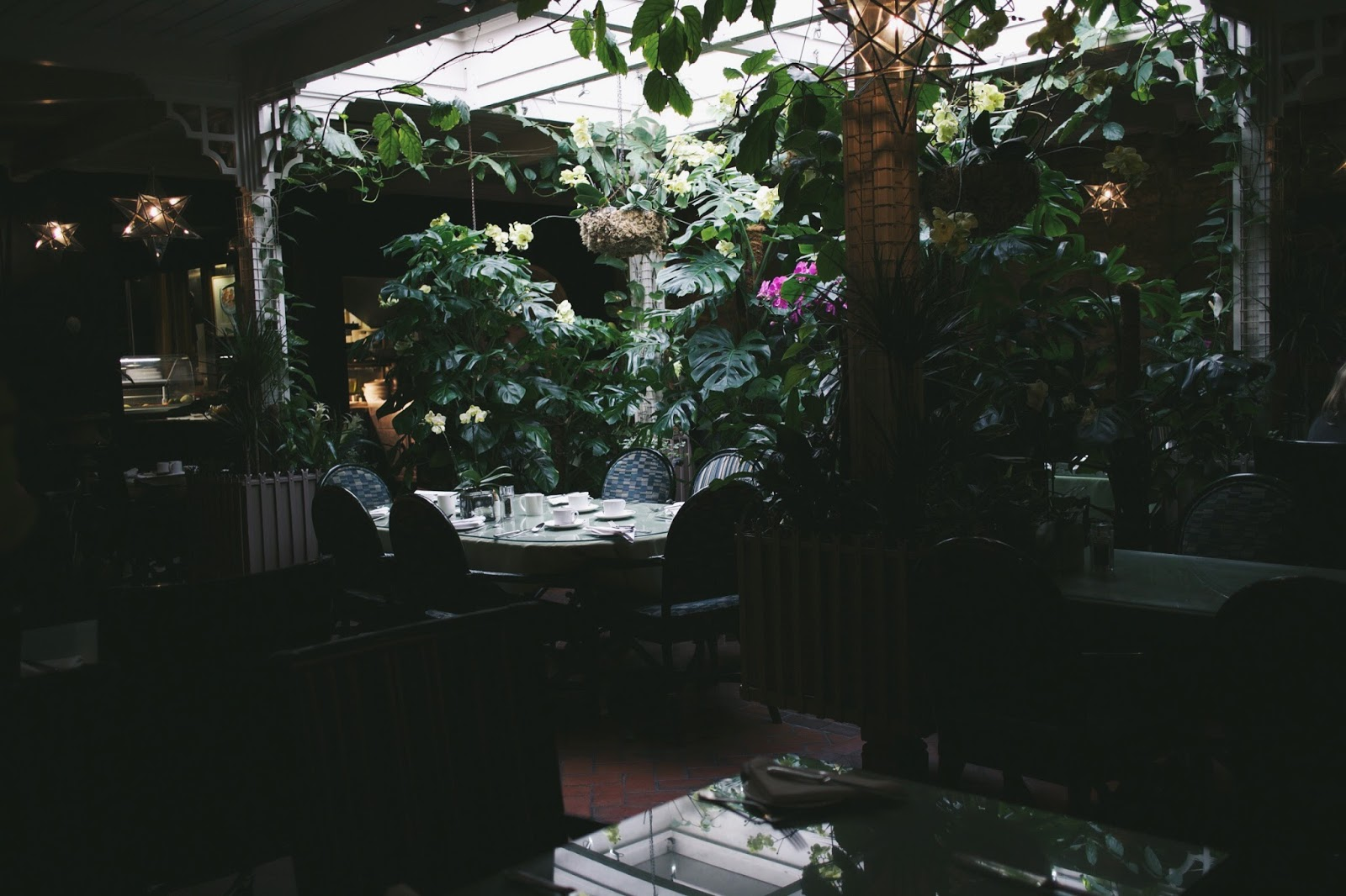 the george hotel breakfast room