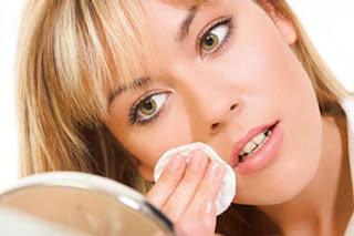 agua micelar para chicas que se maquillan