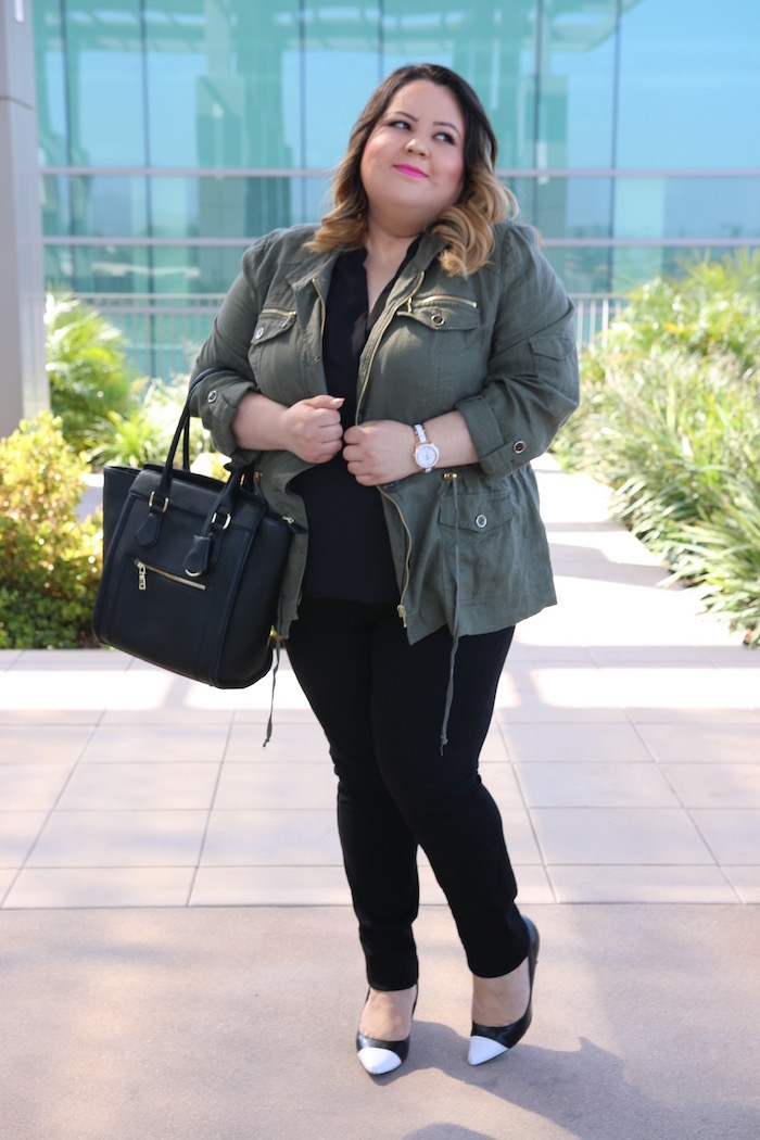 plus size fashion blogger shows how to style an anorak.
