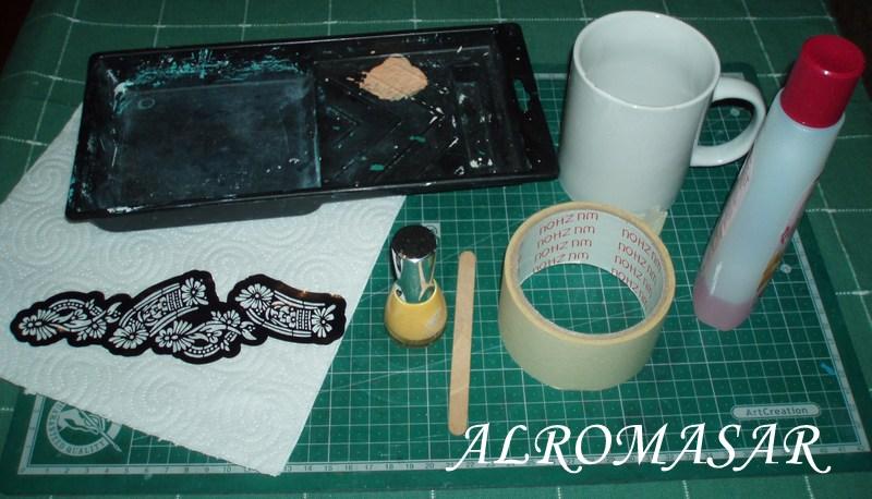 ALROMASAR: Pintar una taza con esmalte de uñas.