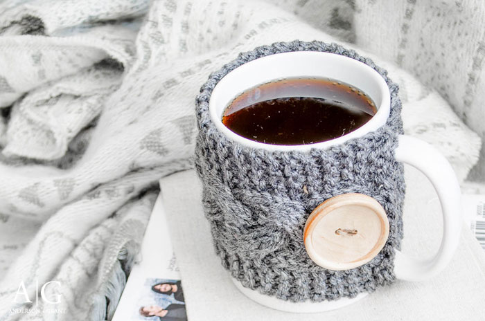 Enjoying a cup of coffee this winter.  ||  www.andersonandgrant.com