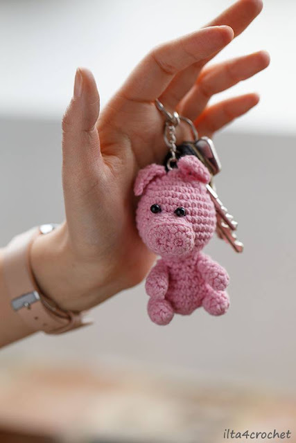 Breloczek do kluczy – świnka