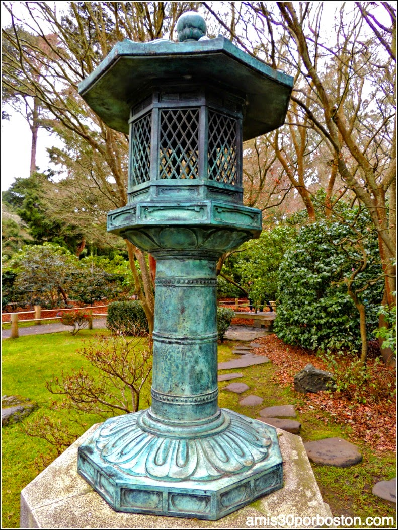 Linterna de la Paz Japanese Tea Garden: San Francisco