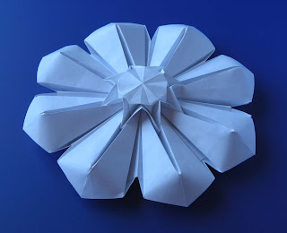 Origami Corolla (petali abbassati) - (Petals lowered) by Francesco Guarnieri