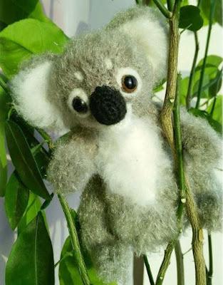 Вязаная коала амигуруми