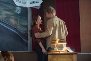 "Danneel Ackles as Sister Jo and Mark Pellegrino as Lucifer in Supernatural 13x13 ""Devil's Bargain"""