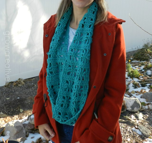 Free Crochet Pattern: Cube Infinity Scarf- Grow Creative