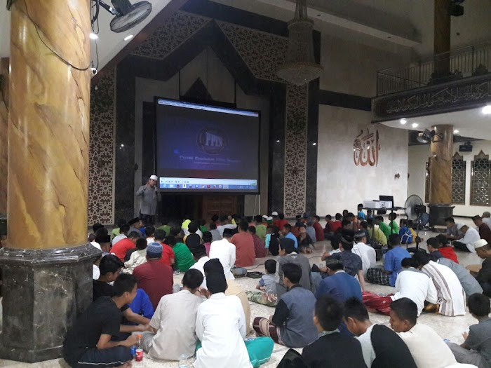 Nobar Film G30S/PKI, Jammah DKM Al Muttaqin Ciangsana Antusias