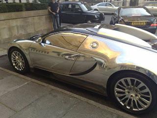 Bugatti de lujo  cromado