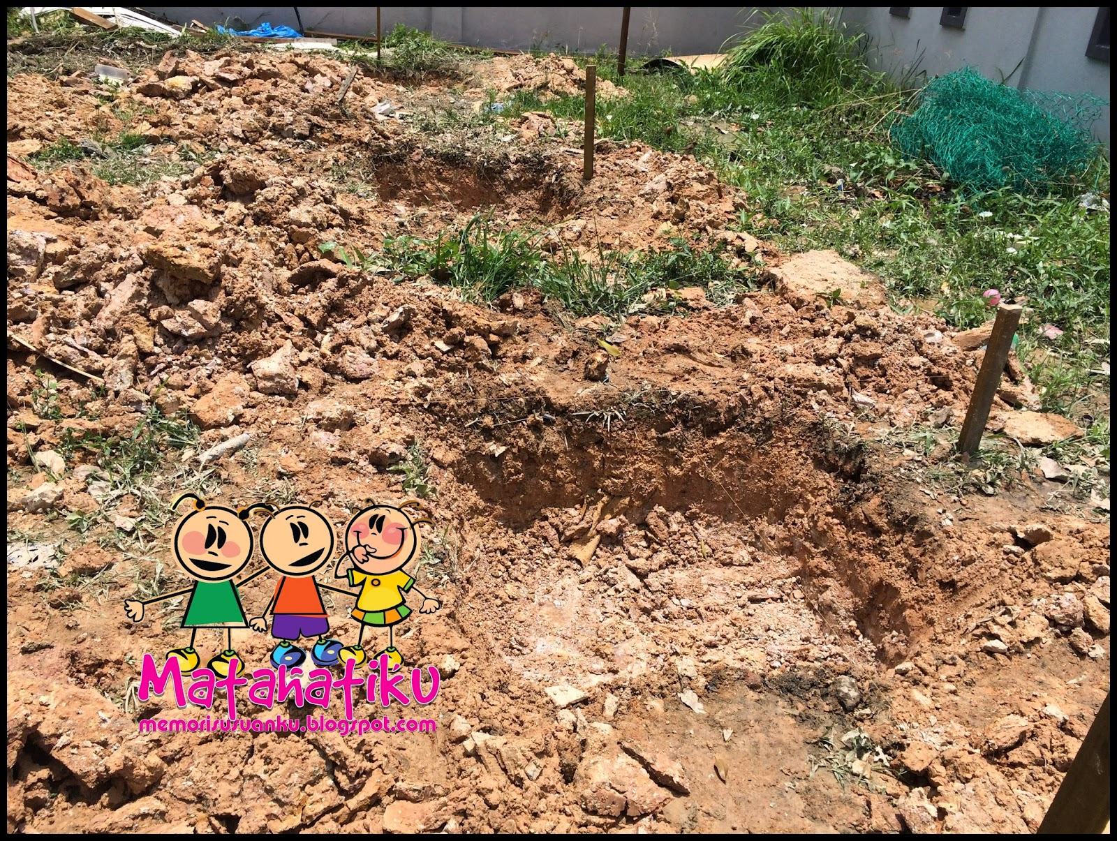Hari Pertama Untuk Tapak Dapur Ini Tugasan Mereka Menanda Dan Mengorek Tanah Pada Sebelah Petangnya Dah Siap Letn Simen Dalam Lubang Piling