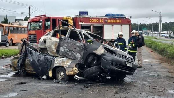 Acidente na Linha Verde em Curitiba deixa cinco mortos