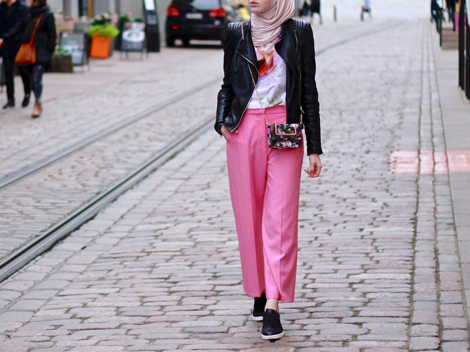 Pink trousers in Autumn
