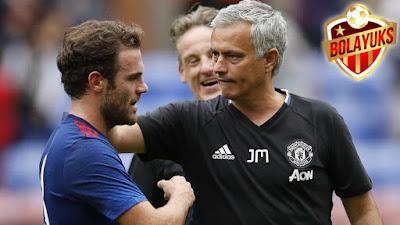 Mata Nilai Mourinho Tipe Pelatih Yang Lindungi Pemainnya