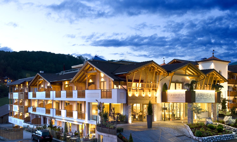 S Dtirol Hotel In Kastelruth