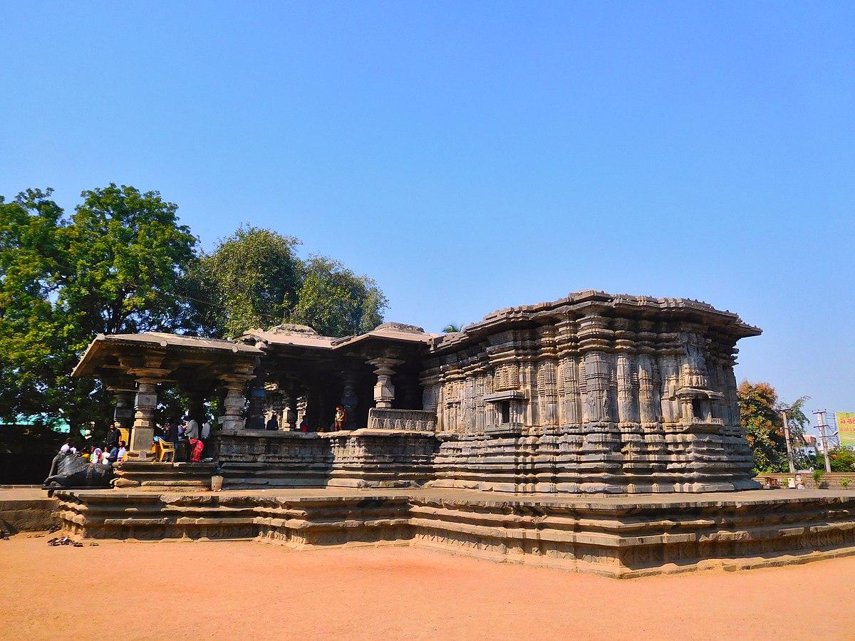 వేయి స్థంబాల ఆలయం - Veyi stambala aalayam, Thousand pillars temple