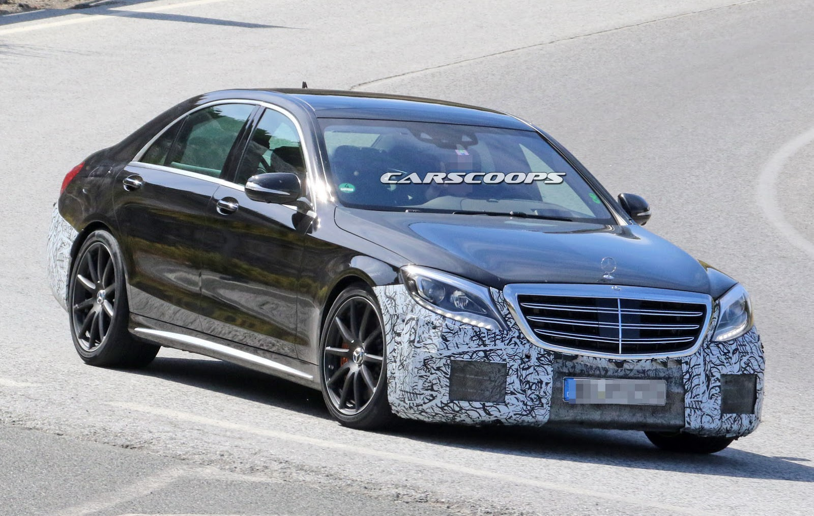 mercedes putting the final touches on facelifted s class s63 amg carscoops. Black Bedroom Furniture Sets. Home Design Ideas