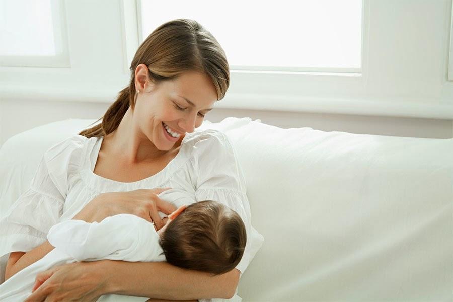 اهمية وفوائد الرضاعة الطبيعية للام والطفل