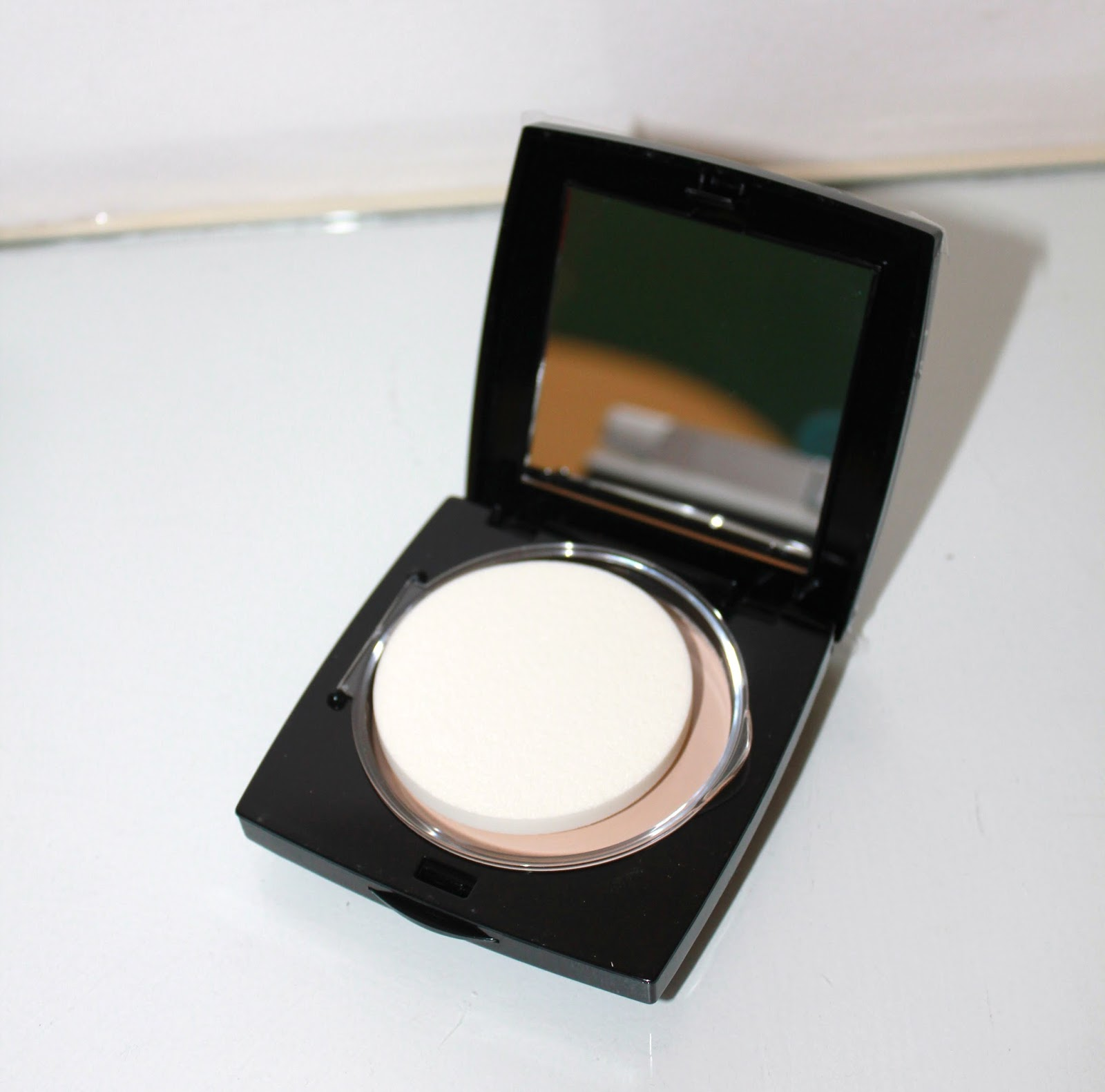 HD Brows Powder Foundation Review