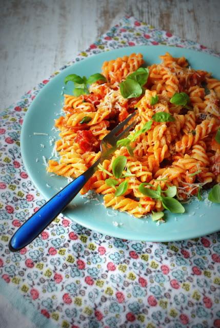 Malma,pecorino romano DOP,ser owczy, włoski ser, pranzo,pasta con la salsa,sybki makaron,kuchnia włoska,