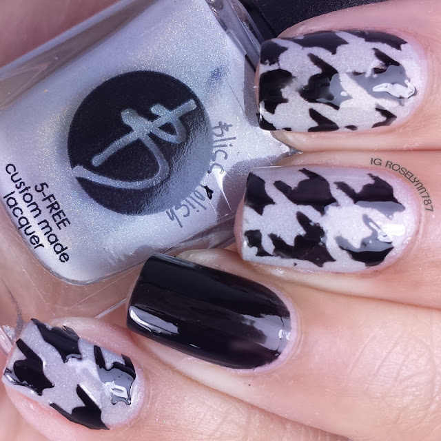 Twinkled T Houndstooth Stencils