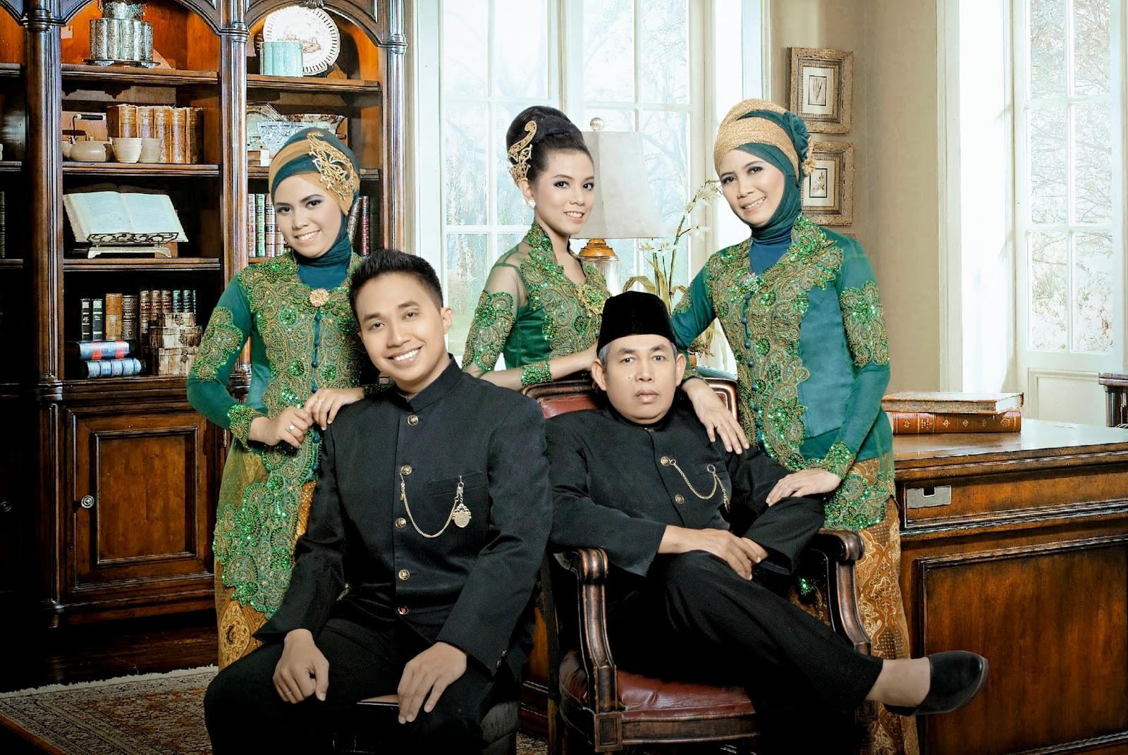 Pangeran Belendung Hasil Foto Keluarga Di Pose Studio