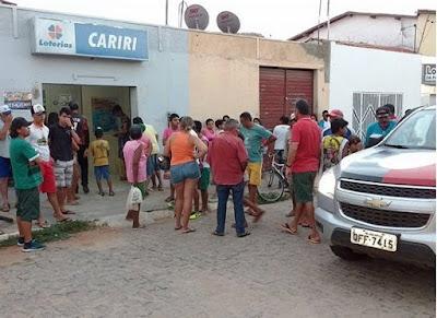 Bandidos tentam assaltar Casa Lotérica da cidade de Prata e fogem atirando