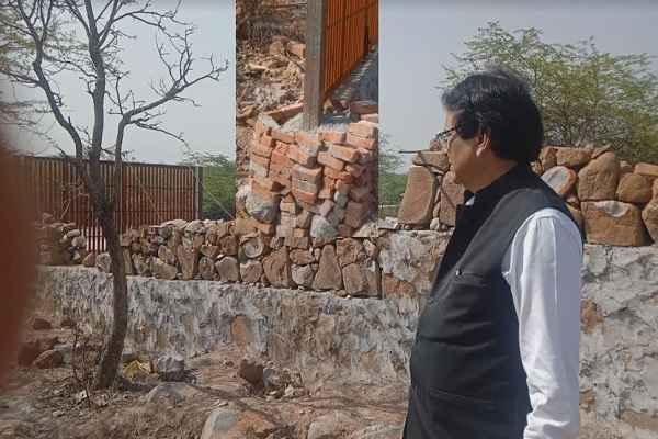 advocate-ln-parashar-show-illegal-construction-on-aravali-for-sc